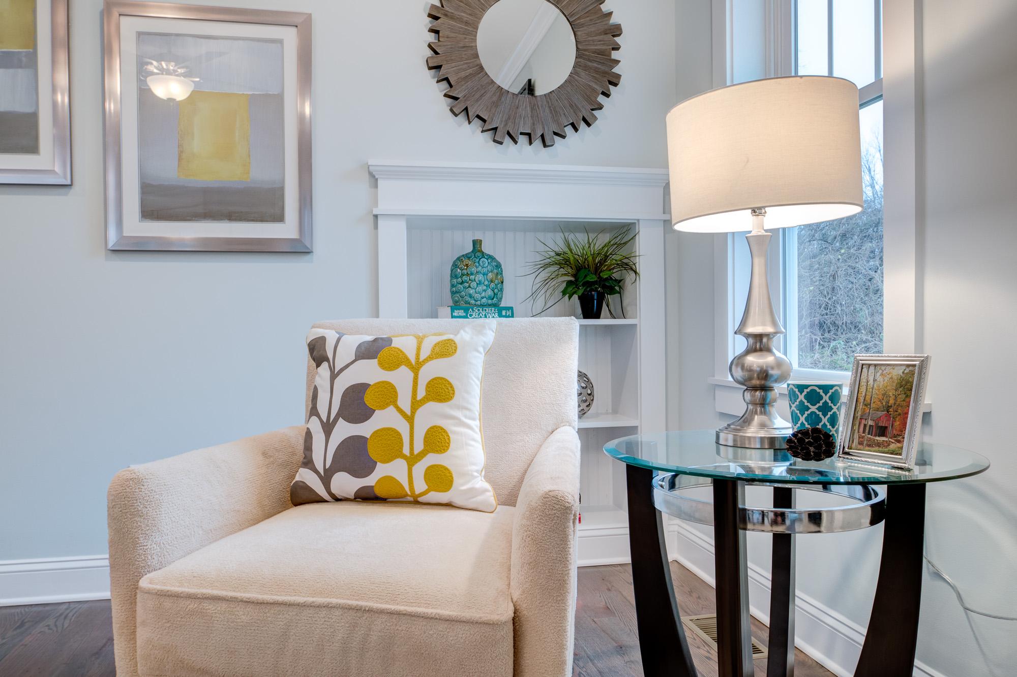 Detail Modern Living Room